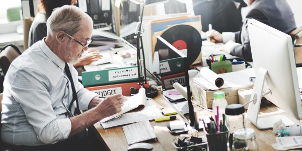oudere-werknemer-werken-ontslag-en-uitkering-rondom-aow-en-pensioen